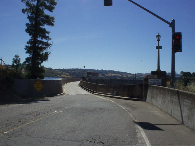 [Mile 41, 10:02am] Entering the one-lane bridge over the Pardee Dam.