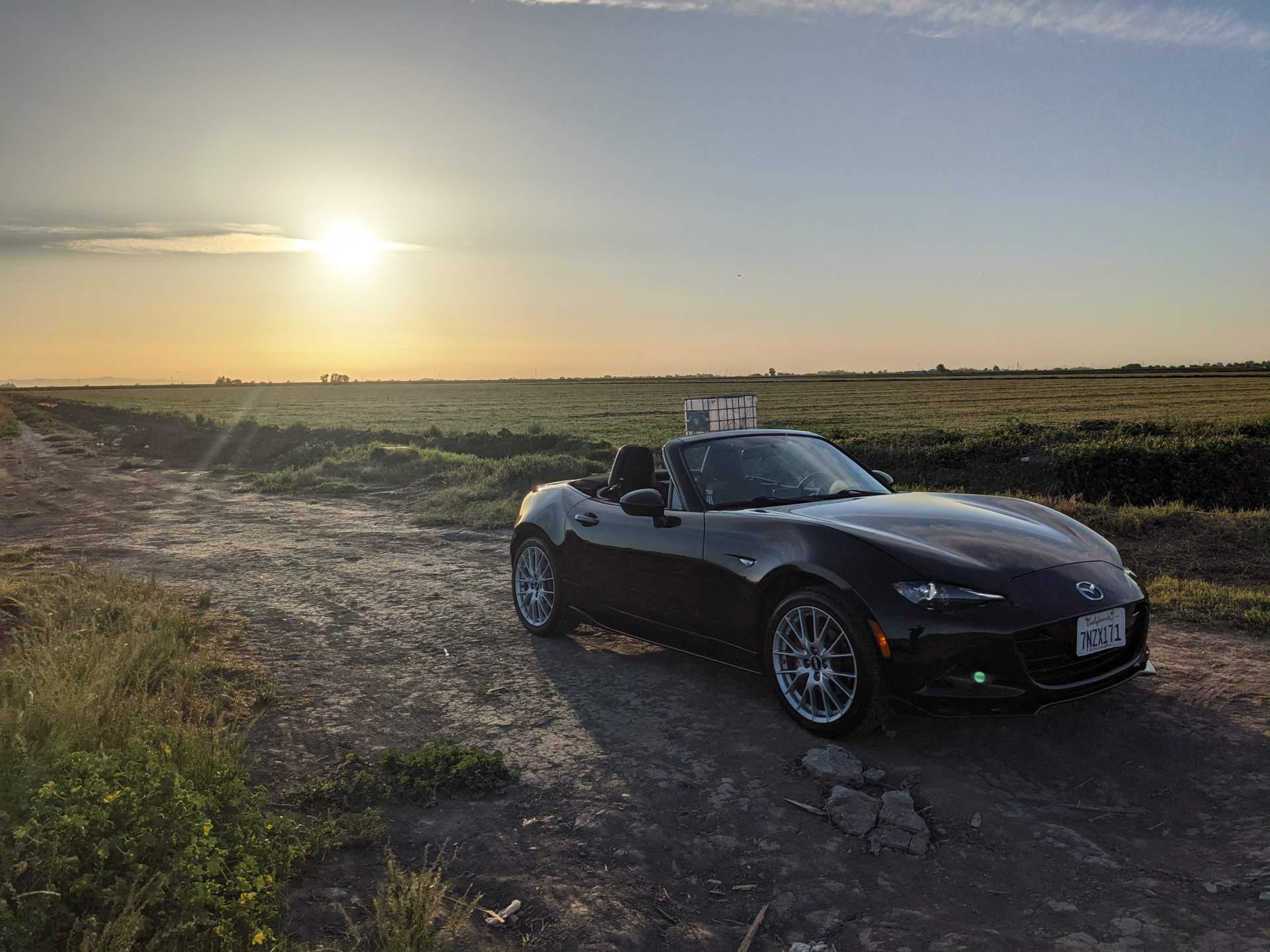Featured photo for Mazda MX-5 Miata Turo Rental