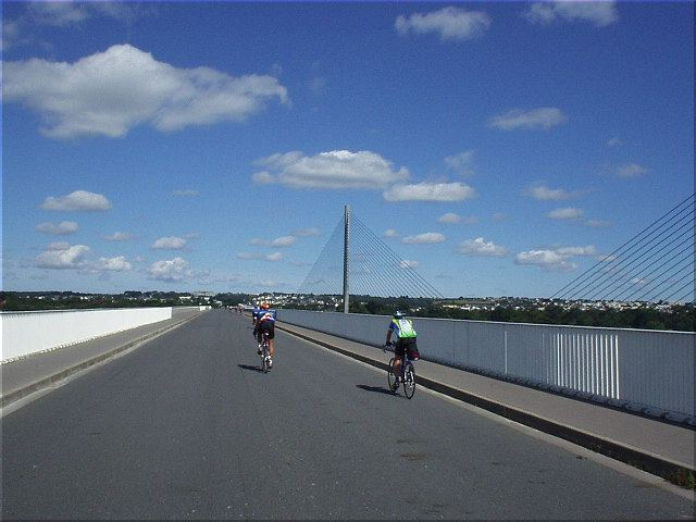 [KM 607, 38:16 elapsed, 12:16pm] Made it to the coast; almost to Brest!  This is a nice bridge, but I'd be less impressed with Brest itself, which has typical big city problems (but is not nearly as beautiful as Paris).