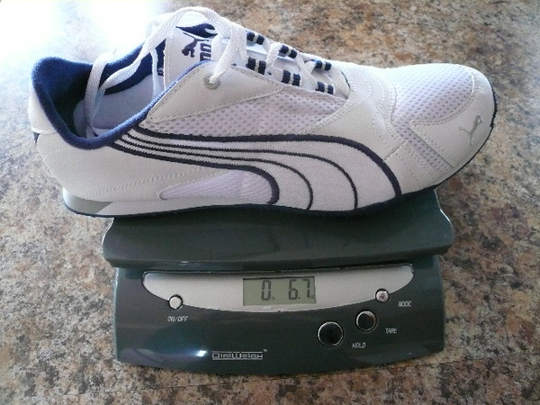 The Puma Saloh in mens size 9.5 weighs just 6.7 ounces.