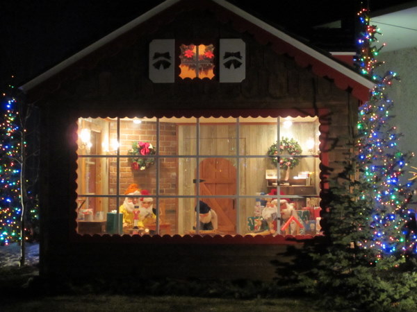 Featured photo for Woodward Governor Holiday Lights