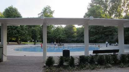 Wading pool in Beatrixpark.