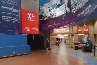 Runners running a 5k inside the XL Center in Hartford Connecticut before the 2020 Arena Attack Indoor Marathon.