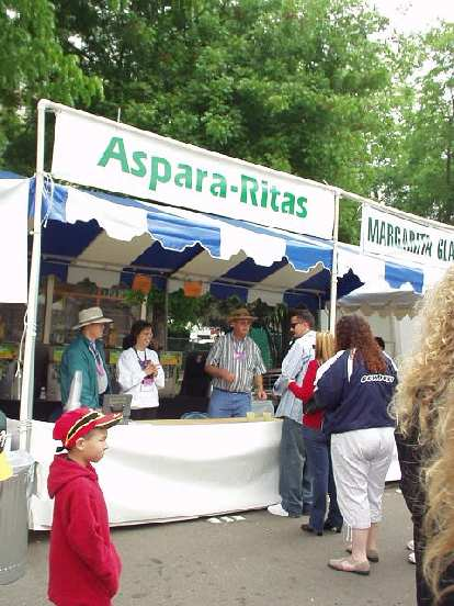 Nor did I try one of these Aspara-Ritas (an asparagus version of a margarita) or find asparagus ice cream.  Still, this was the most fun festival I've ever been to since the '93 Lodi Grape Festival.