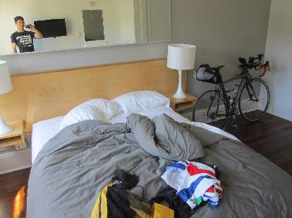 Norblad Hotel, cabin, cycling clothes, black 2010 Litespeed Archon C2, Trans Am Bike Race