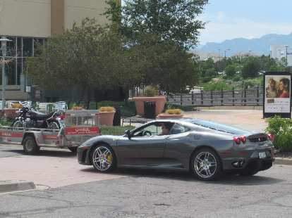 This Ferrari 360 Modena looked great.