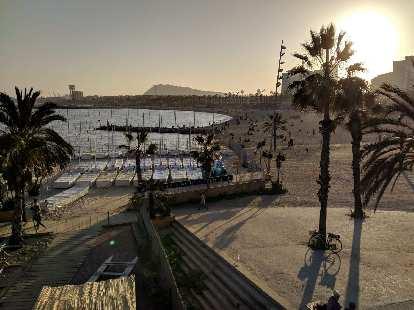 Playa de la Barceloneta (Barceloneta Beach).
