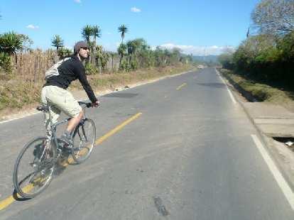 Bruce enjoying the scenery between Itzapa and Aposentros.