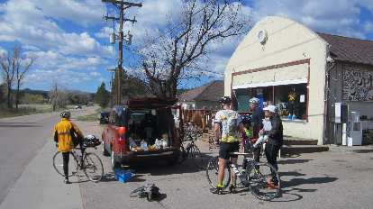 Mile 48, the first checkpoint in Larkspur. Thanks to the great volunteer who brought cake and fluids.