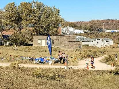 My friend Jennifer was looking ripped as she came in on the finishing stretch of the 2018 Blue Sky Trail Marathon.
