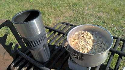 thermal cup, oatmeal in aluminum camping pot, Nesbitt stove