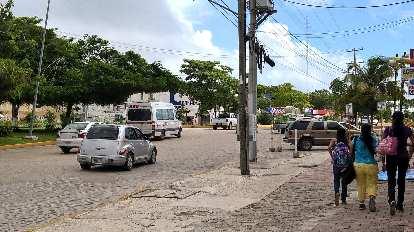 silver Chrysler PT Cruiser, Cancún