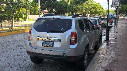 silver Renault Duster, Cancún