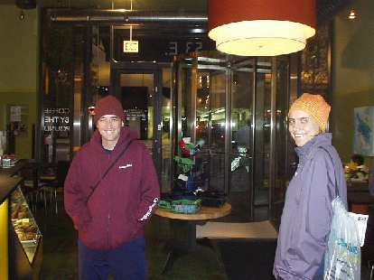 Guy and Kathrin keeping warm at Starbucks on the very cold morning of the Chicago Marathon.