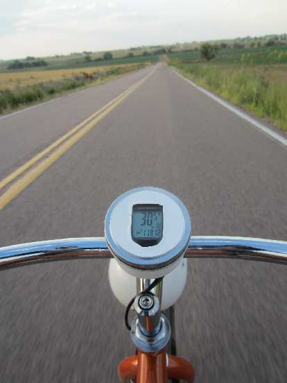 [Day 2, Mile ~270, 6:45 p.m.] Enjoying one of the few stretches the Huffster was able to go >30 MPH.
