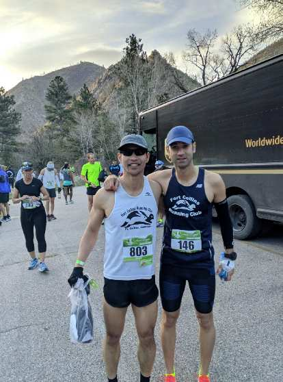 Felix and Antxon in the starting area, 10 minutes before the start of the Colorado Marathon.