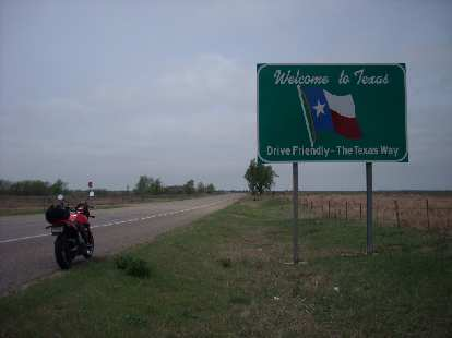 Back on the road, I got to Texas about 15 miles later.