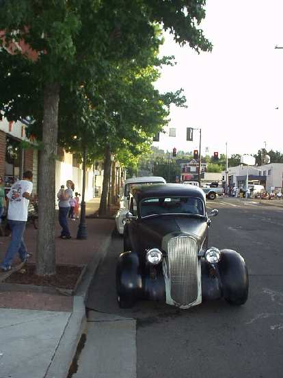 A 30s Ford (?)
