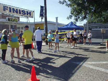 Runners at the starting area.