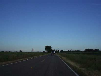 [Mile 6, 7:22 a.m.] No traffic, good roads, flat land.