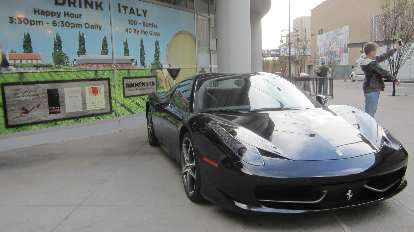 black Ferrari 458 Italia, Drink Italy, selfie enthusiast
