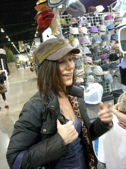 Lisa wearing a stylish hat.