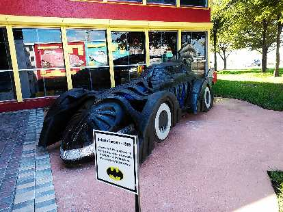 Model of Batmobile from Batman Forever (1995) outside the Dezer Collection auto museum.