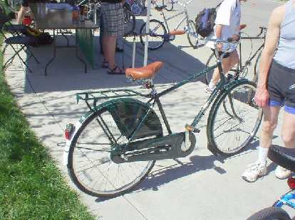 An Electra Amsterdam cruiser bike.