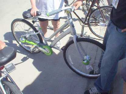 At the Fort Collins Community Bike Fair was this nifty Trek city bike with auto-shifting.
