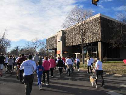 Great weather for a Thanksgiving Day run: 44 degrees at 9:05 a.m.