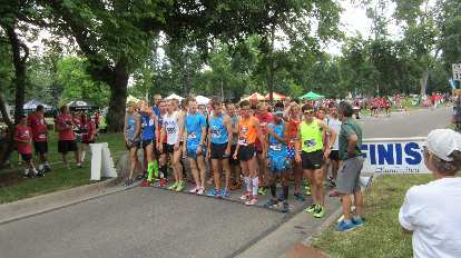 The elite runners in the new elite race, which offered $3500 in prize money.