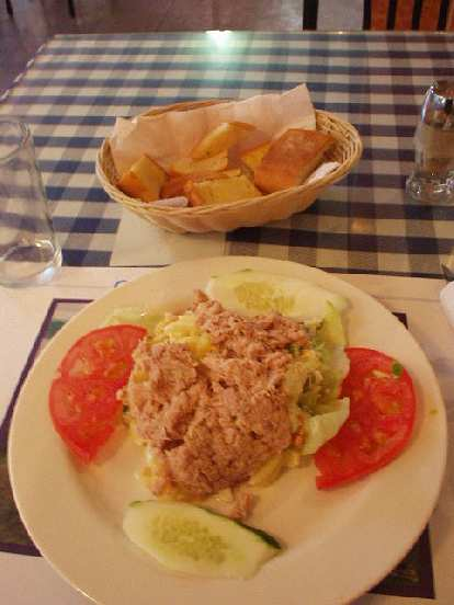In Panama City, I had ensalada con patatas y tuna and bread at Manolo's for $3.