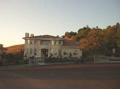 [Aug. 2002] An example of the prominent homes in the Mission hills.