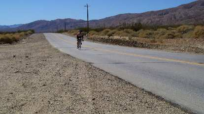 [Mile 102, 1:54 p.m.] Gradual descent from California City to Garlock.