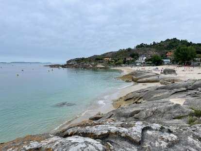 The Playa de Menduiña in Cangas.