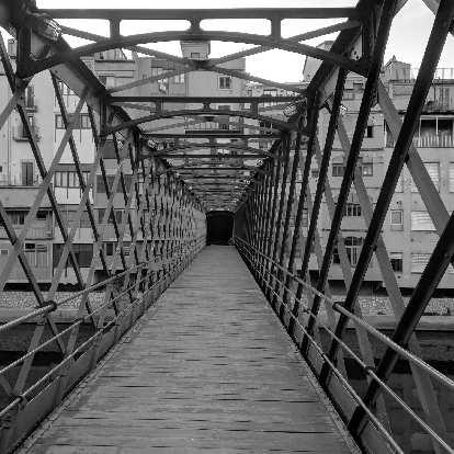 Puente de las Pescaderías Viejas (Bridge of the Old Fish Markets).