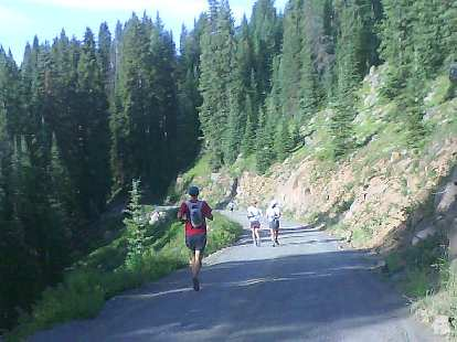 Alex, Karla and Carolina at Mile 11, just a couple miles after Alex and I (and a dozen others) got lost by a mile.