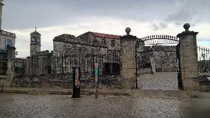 El Castillo de la Real Fuerza (Castle of the Royal Force).