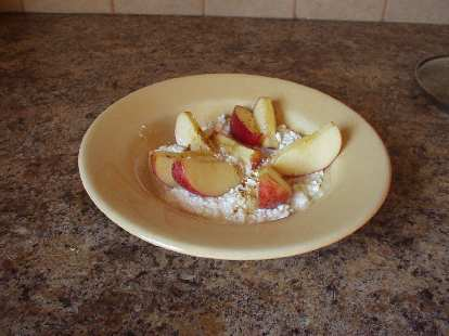 Fuji apples and cottage cheese with cinnamon.