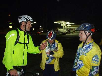 [Mile 176, 6:33] At the last rest stop, we ran into... Laura and Phil!  So all the Tri-City Tri Club members got to ride the last leg of 24 miles together!  Couldn't finish any better than that!