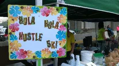 Hula Hula Hustle 5k sign.