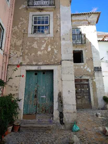 Townhomes in Alfama.