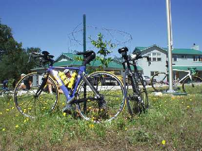[Mile 51, 10:52 a.m.] A pretty Kestrel Talon Ironman bicycle at the Wallace lunch stop.