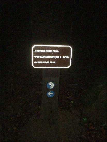 This is how a trail marker looks in pure darkness!