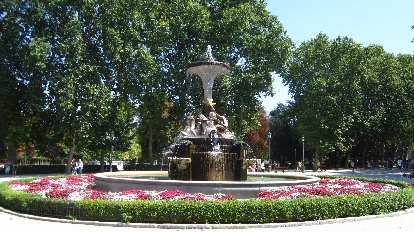 Fountain in el Parque del Retiro.