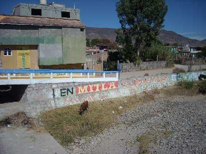 """En Mitla cuidamos el agua"" (in Mitla we take care of the water)."