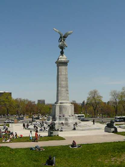Statue d'Athena in Le Parc Mont-Royal.