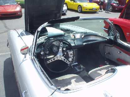 The cockpits of early Vettes featured chrome gauges and controls.
