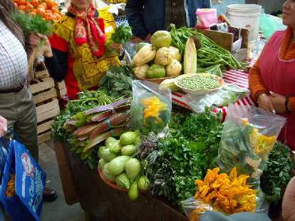 First action on the agenda was going to the local market three blocks away from the school to purchase produce.