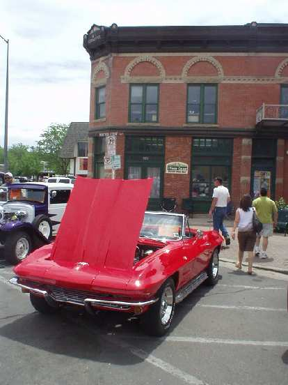 Another Sting Ray Corvette made it out to the show!